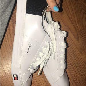 Tommy Hilfiger canvas shoes size 8.5